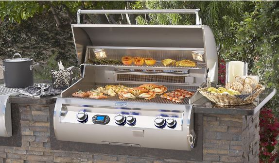 outdoor kitchen built-in grill